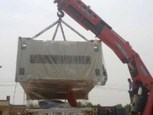 上海2000T液压机底座卸车